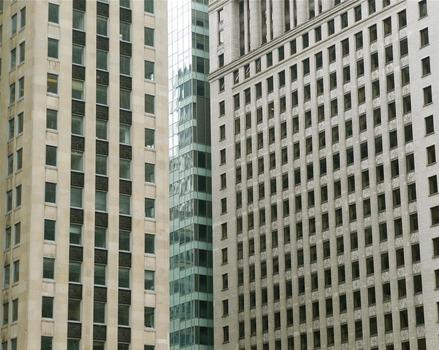 20111127141356-edifici_1