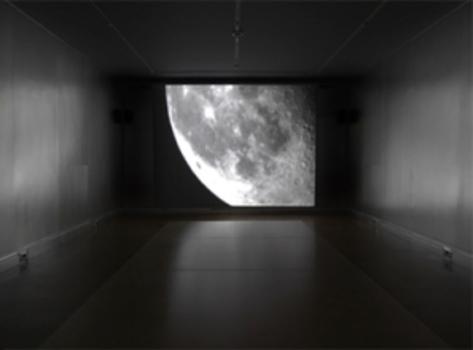 20111206023956-shinoda-telescopemoon