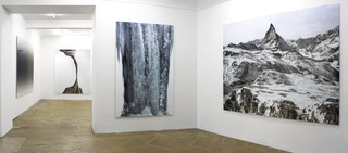 20111213061845-installation_view2