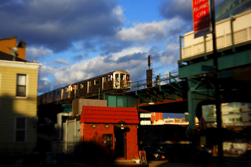 20120110144417-train_coming