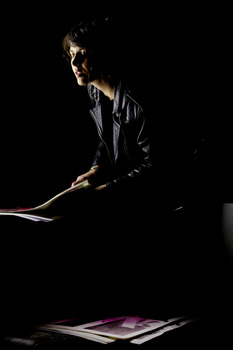 20120111164044-chelsea_culp_readying_posters_modmayhem
