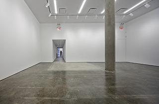 20120124085616-back-gallery