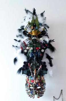 20120126000018-american_toy_mask_and_blade
