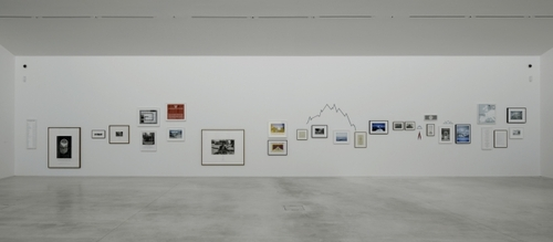 20120127235717-hamish_fulton_walk-installation_view_turner_contemporary_2012-1-courtesy_david_grandorge