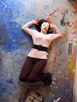20120227211623-pwof_girl_floor