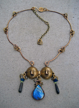 20120306190430-twin_soul_necklace