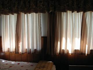 20120309131321-the-curtains
