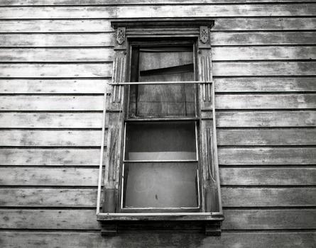 20120316080455-window-spitz