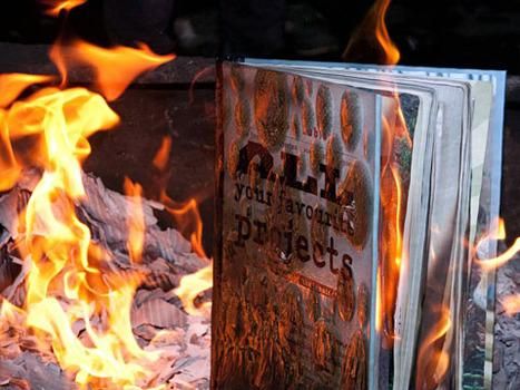 20120322190126-12manchester-bonfire4