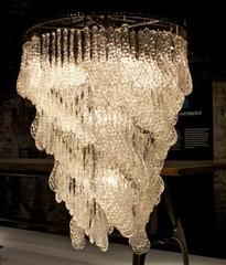 20120330001435-chandelier_peo