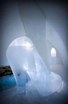 20120401131625-insa-_ice_hotel_room_1