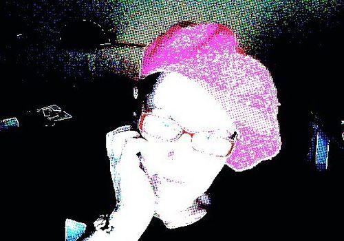 20120409084729-yo_con_txapela_rosa