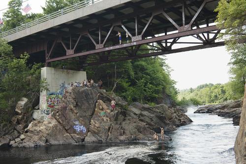 20120424025131-soderholm_bridgelakeluzerne