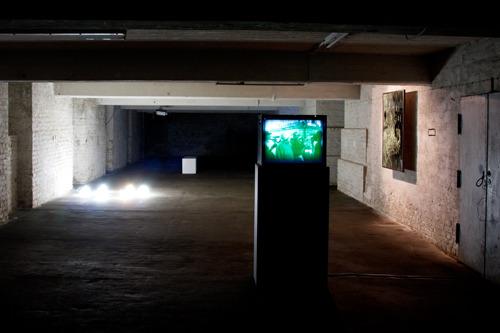 20120429111133-artistsofthegallery_2012_exhibitionview_11_web