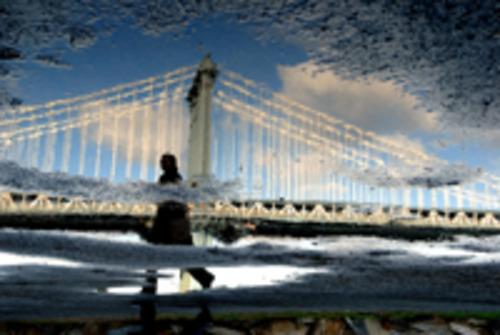 20120512111456-man_crossing_brooklyn_bridge-ny08_small