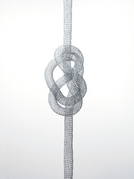 20120513021025-knot-this-way-the-other