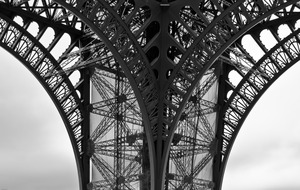 20120520032338-07-eiffel_tower_leg_and_two_arches-