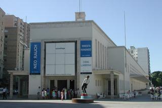 20120521104757-fachada_baja