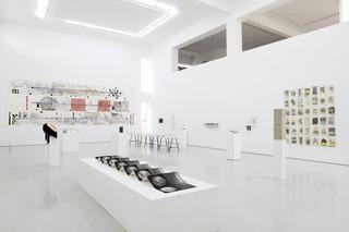 20120522073006-exhibition_view-3