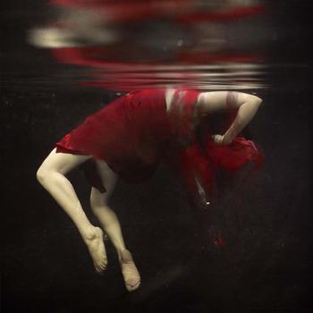 20120527213211-shaden_falling_apart