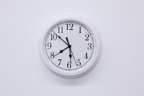 20120531123429-nobutaka_aozaki_clock_01
