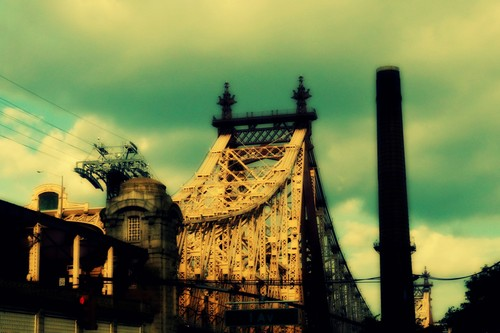 20120603041358-59th_street_bridge