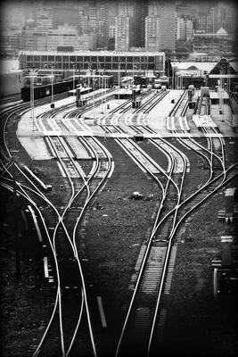 20120603171009-train_track_porn
