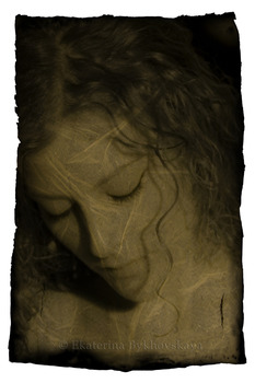 20120613200816-1_ekaterina_bykhovskaya_martina_with_a_lock_of_hair