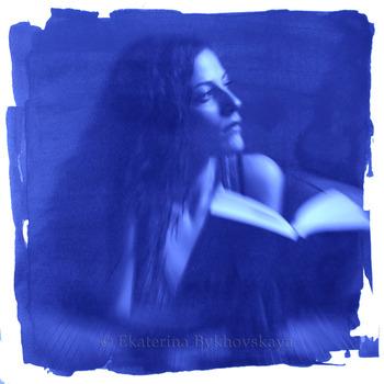 20120613200922-6_ekaterina_bykhovskaya_martina_with__a_book