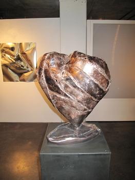 20120626012337-my_heart