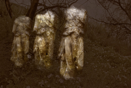 20120702104629-three_statues_8x12