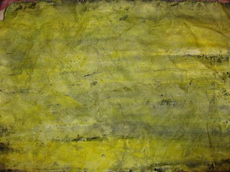 20120704015511-yellow
