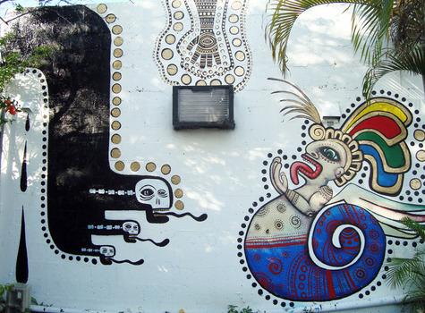 20120711034528-tshop-mural1