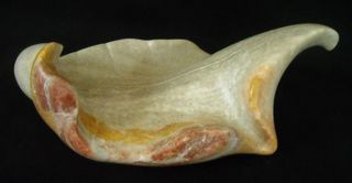 20120723221104-patricia_kelley-borchert-gladiola_ii-italian_alabaster-_2000