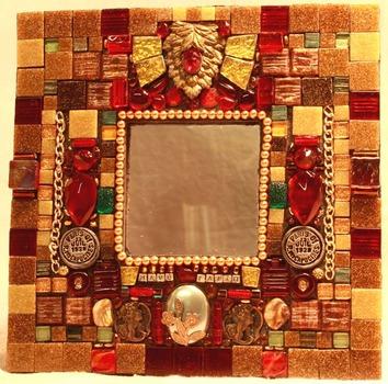 20120814203034-cathie_mirror