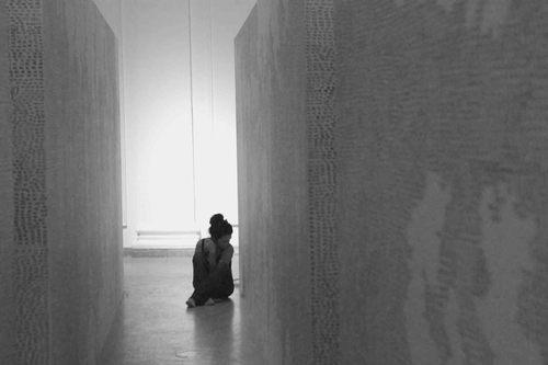20120815132031-csiszer_zsuzsi_yesnow_inverse_room_kunsthalle_mucsarnok