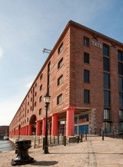 20120818014012-tate-liverpool-gallery-building-on-albert-dock