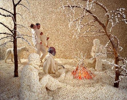 20120819221552-raining-popcorn