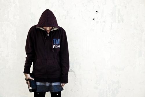 20120822015907-larissa_hoodie_mocada__sebiart_059_fwmrz