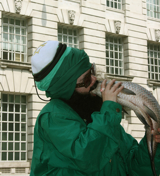 _kissing_a_fish__film_still_by_oreet_ashery