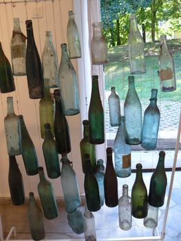 20120827230218-butelki