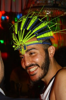 20120828044702-fadi_smile_headdress