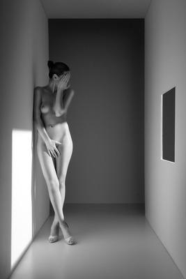 20120905234216-pasillo_de_luz_recargada