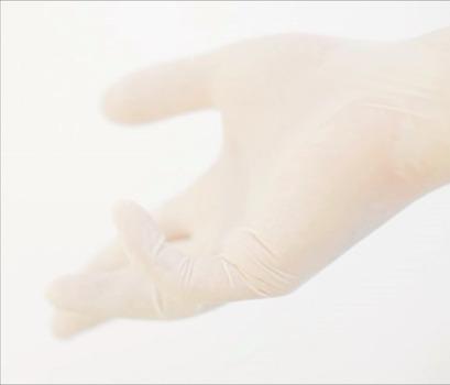 20120928012516-glove_shot