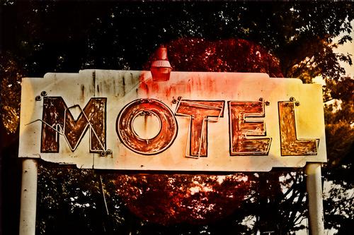 20121006024941-motel2