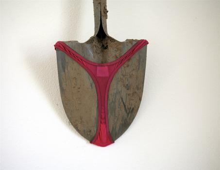 20121013175055-shovel