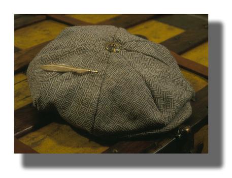 20121014052211-hatbutton_featherdrpshdw