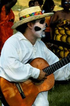 20121014160331-guitarist