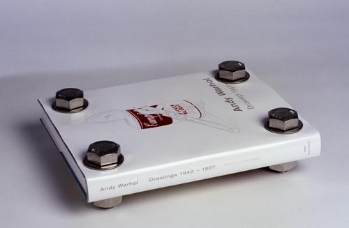 20121014183932-warhol_book