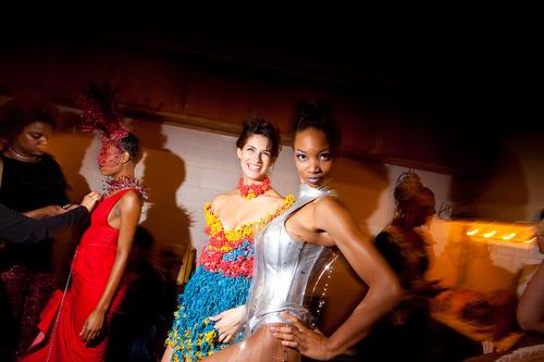 20121019033021-2010-10-22-fashion-ima-148